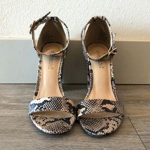 Shoe Dazzle Snakeskin Print Heels